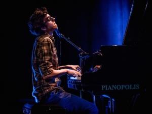 Le pianiste Adrien Brandeis et sa déclaration d'amour au latin-jazz